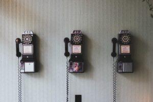 Alte Wandtelefone